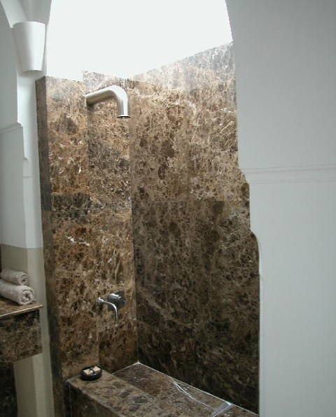 marble_bathroom-2